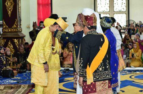 Zola Dianugrahi Gelar Adat Melayu Jambi