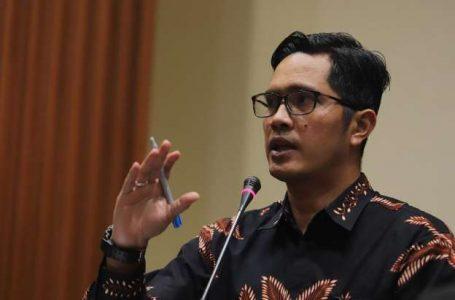 Dampingi Suami, Rahima Batal Diperiksa KPK